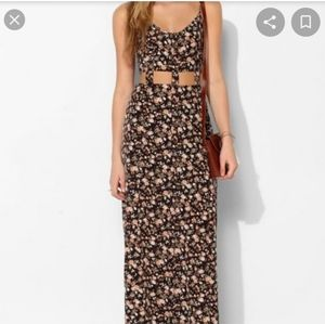 1071 Pins & Needles Cut Out Floral Midriff Dress